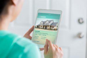 czytanie ogłoszeń sprzedaży nieruchomości